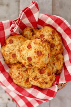 Pizza Scones - These scones are soft, buttery goodness that you will go crazy for