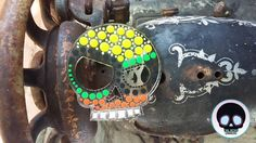 Pieza en acrílico transparente pintada a mano para llavero de caballero línea Calacas Men  #CalacasCaracas