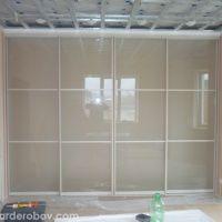 Раздвижные двери с крашенным стеклом