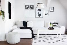 Unser weißes ikea Kivik Sofa mit DIY Tupfen Kissen. ***  Our white Ikea Kivik couch with DIY pillows.