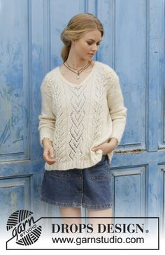 The Pearl / DROPS 186-31 - Knitted sweater with lace pattern and V-neck. Sizes S - XXXL. The piece is worked in DROPS Alpaca and DROPS Kid-Silk.