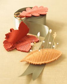DIY Leaf Notions ...no sew, keep needles and pins close by with these sweet felt leaves. Great little gift for sewing friends or children just learning to sew who want their very own needles and pin cushions
