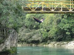 Extreme hammocking! I want to do this.