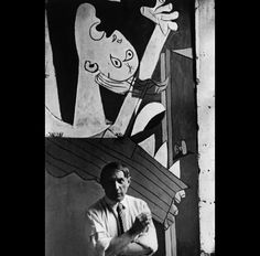 "Chim (David Seymour, 1911-1956) Picasso frente al ""Guernica"" en la inauguración del Pabellón Español en la Exposición Universal París, 1937. Gelatina de plata , 23,8 x 15,2 cm. International Center of Photography, Nueva York © David Seymour/Magnum Photos/Contacto © Sucesión Pablo Picasso, VEGAP, Málaga, 2012"