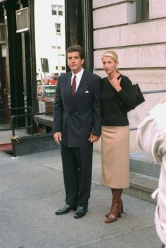 The Calvin Klein publicist, wife of John F Kennedy Jr and style icon predicted every new season trend back in the early – and has proven an enduring muse for fashion designers since. Vogue shortlists seven ways to channel her timeless look this season John Kennedy Jr, Carolyn Bessette Kennedy, Jfk Jr, Jacqueline Kennedy Onassis, Jackie Kennedy Style, Next Fashion, 90s Fashion, Woman Fashion, Fashion Outfits