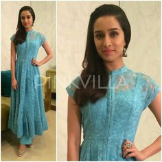 Shraddha Kapoor attended an event for Kashmir Fund Raising earlier today looking beautiful in a lace Anita Dongre anarkali.She styled the look with silver glitter pumps. jhumkis and side swept hair.Simple yet elegant!She was styled by Tanya Ghavri. Anarkali Dress, Pakistani Dresses, Indian Dresses, Lehenga Choli, Indian Outfits, Shraddha Kapoor Lehenga, Sarees, Kurta Designs Women, Blouse Designs