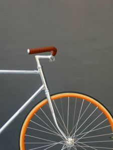 Saluki | Bicycles are a trend. There are so many great designs for bikes that you can storage yours at the living room and everybody will believe it is part of the decor. #ride #bikes #bicycle