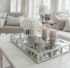 Tablett in Weiß und Silber - Tischdekoration
