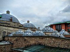 """II.Beyazıt hamamı/Fatih/İstanbul/// İstanbul'daki 16. yüzyıl Osmanlı hamamları içinde gösterişli mimarisi, boyutu ve çifte hamam oluşu ile dikkati çeken II. Bayezid Hamamı, 1985 yılında UNESCO tarafından Dünya Kültürel Miras Listesi'ne alınan """"İstanbul Tarihi Alanları"""" içinde yer alır."""