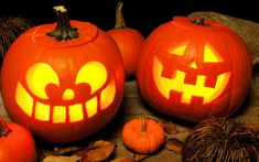 Check out these super simple tips for a green Halloween! Pumpkin Carving, Eco Friendly, Holiday, Christmas, Green, Party, Super Simple, Halloween Ideas, Celebrations