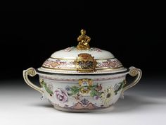 This tureen, which bears the arms of the Russian Tzarina Anna Ivanova, was originally part of a large service made by the Du Paquier porcelain factory in Vienna. It was presented to the Russian Empress by the Habsburg Emperor Charles VI to cement their military alliance against the invading Turks during the period 1736-39.
