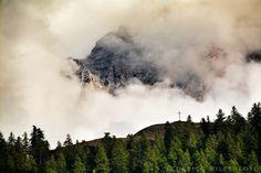 Nebbia sulle montagne di Cesana  #myValsusa 20.09.17 #fotodelgiorno di Federico Milesi Foto