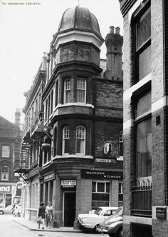 John Ludden Manchester: Wagon and Horses, Back Bridge street: Deansgate: 1970 Now Manchester Library, Manchester Street, Manchester Hotels, Manchester Uk, Street Pictures, Rochdale, Salford, Old Churches, Derbyshire