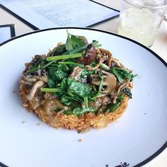 It's been awhile since we've gone out in Austin, but last weekend we came across HEAVEN at 🤤🤤 Pommes Rosti with caramelized onions, spinach, and mushrooms - literally a hash brown with delicious on top 🙌🏼 Homemade Peanut Sauce, Easy Peanut Sauce, Peanut Sauce Recipe, Sauce Recipes, Vietnamese Spring Rolls, Vietnamese Food, Rice Vermicelli, Duck Sauce, Stuffed Mushrooms