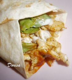 Fotorecept: Tortily plnené kuracím mäsom - Rýchlo pripravené, použila som polotovar tortily. Doma ich milujeme. Fajitas, Tacos, Pizza, Tortillas, Ethnic Recipes, Food, Mince Pies, Essen, Meals