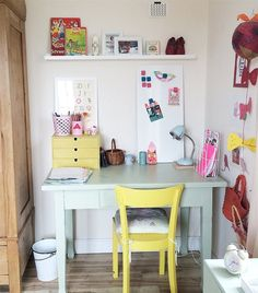 Pastel workspace in the corner of Anja's daughter's room | Living in Germany | live from IKEA FAMILY