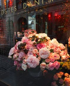 Simple beauty rules seem to me to be what Parisian women follow. Lovely bouquet.