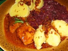 Czech cuisine: Vepřo-knedlo-zelo (Roast pork with dumplings and sauerkraut)-sounds scary, but I should be brave Czech Recipes, Old Recipes, Beef Recipes, Ethnic Recipes, Beef Ribs, Pork Roast, Czech Food, Polish Recipes, European Countries