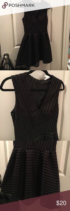 H&M Black Cocktail Dress H&M size 6 cocktail dress. Worn a handful of times, great fit. Like new condition. Zipper in the back of dress. Smoke free home! H&M Dresses Midi