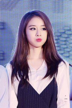 #jiyeon cre: lvxin Park Ji Yeon, T Ara Jiyeon, Long Dark Hair, Korean People, Star Girl, Chinese Actress, Beautiful Asian Women, Aesthetic Girl, K Idols