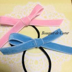 ハンドメイドリボンヘアアクセサリー♡ ベルベットのリボンゴム♡ ピンク&ブルー http://s.ameblo.jp/bouquet-de-coeur/ Handmade velvet ribbon hair accessory Pink and blue