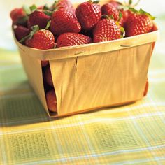 Ricardo's recipes : Strawberry and Green Apple Water Strawberry Vinegar, Strawberry Syrup, Strawberry Cake Recipes, Strawberry Buttercream, Strawberry Cream Pies, Strawberries And Cream, Fun Easy Recipes, Pie Recipes, Salad Recipes