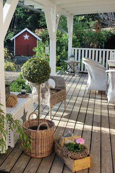 INNENANSICHTEN: Die Hasen sind los! Absolutely beautiful veranda