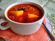 Paradicsomos fejeskáposztás leves füstölt kolbásszal Chili, Soup, Cooking, Red Peppers, Kitchen, Chile, Soups, Chilis, Brewing