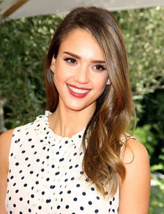 Get The Look: Jessica Alba's Mulberry Lip - Daily Makeover