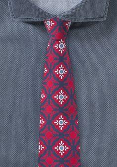 Moderne rote Krawatte mit Talavera-Dessin . . . . . der Blog für den Gentleman - www.thegentlemanclub.de/blog