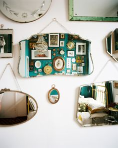 Decor Vintage Photo - A grouping of mirrors on a white wall