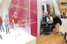 UNIQLO USA / PARTNERSHIP – THE SELFLESS SELFIE PROJECT Facts: DOOB 3D-FIGURINES GLOBAL #3DSelfie  Exhibition in BERLIN, NEW YORK, SAN FRANCISCO, LONDON AND PARIS #doob3d #doobgroup #uniqlo #paris #london #sanfrancisco #berlin #newyork #nyc #3dprint #printing #scanning #scan #scanner #dooblicator