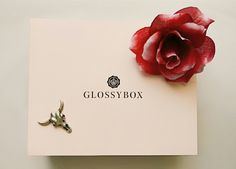 This months Glossybox is promising us the chance to discover new and exciting products for summer 2016. With 4 full sized products…