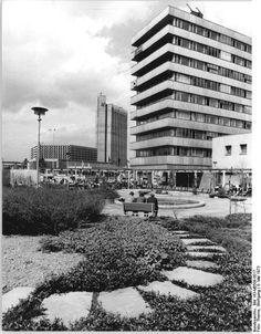 Chemnitz 'Haus der Industrieverwaltungen, Karl Marx Stadt May 1973