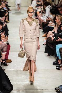Chanel Resort 2014 - Review - Fashion Week - Runway, Fashion Shows and Collections - Vogue