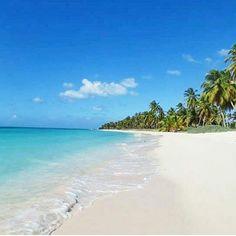 Posso me teletransportar now . Os nossos #fantrip @cazumbando estão em #saonaisland #republicadominicana, um lugar paradisíaco para curtir o #verao. . Quem topa? Marque aqui os seus amigos ! . . @kayak_br . . #metabuscador #kayak_br #ferias #vacation #turism