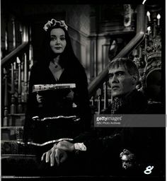 Ted Cassidy as Lurch and Carolyn Jones as Morticia in The Addams Family Original Addams Family, The Addams Family 1964, Adams Family, Gomez And Morticia, Morticia Addams, Ted Cassidy, Charles Addams, Carolyn Jones, Amor