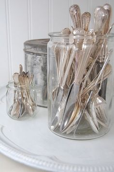 I love simple lines, so why do I love fancy, tarnished silver? Silver Cutlery, Vintage Cutlery, Silver Spoons, Silver Trays, Silver Plate, Flatware, Vintage Love, Vintage Silver, Antique Silver