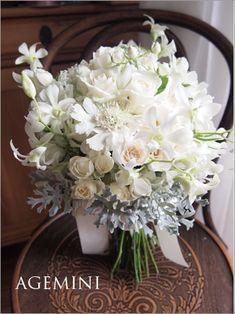 デンファレのクラッチブーケ。|White   wedding bouquet|AGEMINI