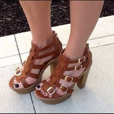"Fab strappy platform sandals sz 8.5 Fabulous chestnut brown platform sandals. Size 8.5  true to size excellent quality brand new in box all man made materials. 6"" chunk heels with 2"" platform Shoes Sandals"
