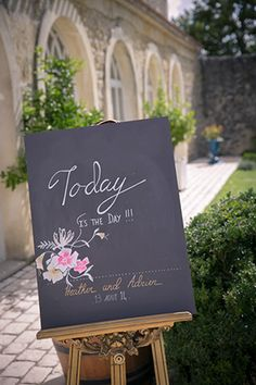 Intimate French Chateau Wedding in Bordeaux from Studio Anderson | Simply Peachy Wedding Blog