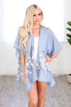 Sky Blue Spring Daisy Woven Kimono Kimono Floral, Kimono Top, Blue Springs, Clothing Size Chart, Yellow Dress, Relax Relax, Dress Collection, Spring Flowers, Evening Dresses