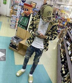 Dope Outfits For Guys, Swag Outfits Men, Boy Outfits, Male Outfits, Black Men Street Fashion, Men Fashion, Blue Neon Lights, Sneakers Outfit Men, Hood Girls