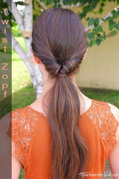 """Hast du Lust den Klassiker """"tiefer Pferdeschwanz"""" einmal etwas aufzupeppen. Dann versuche einmal den Twist Zopf. Mit der einfachen Bilder Anleitung kein Problem ... Long Hair Styles, Sexy, Beauty, Russia, Hairstyles, Trends, Blog, Fashion, Quick Work Hairstyles"""