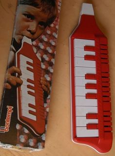 Melodica, I used to have one of these in pale green Nostalgia, Retro Toys, Vintage Toys, 1970s Toys, Childhood Toys, Childhood Memories, 80s Kids, Teenage Years, Do You Remember
