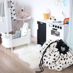 Panda Storage Playmat  Toy Bag  140 cm  Black by Hatchesandmatches