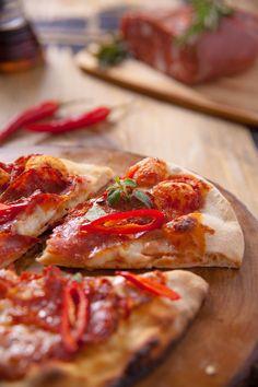 Pizza Diavola/Sos pomidorowy, pikantne salami, mozzarella, chilli