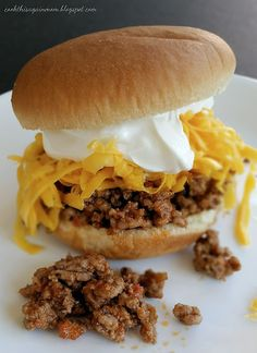 If you love simple recipes, these kid friendly Taco Sloppy Joes should be one of. If you love simple recipes, these kid friendly Taco Sloppy Joes should be one of your 'go to' recipes for those extra busy days. Meals Kids Love, Easy Family Meals, Quick Meals, Family Recipes, Meat Recipes, Mexican Food Recipes, Cooking Recipes, Hamburger Recipes, Sandwich Recipes