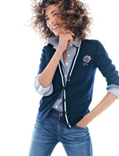 Crew Looks We Love: women's V-neck cardigan sweater with floral patch, Thomas Mason® for J.Crew stretch shirt in stripe and slim broken-in boyfriend jean in Hemlock wash. J Crew Outfits, Casual Outfits, Preppy Mode, Preppy Style, Style Me, V Neck Cardigan, Style Guides, Autumn Winter Fashion, Spring
