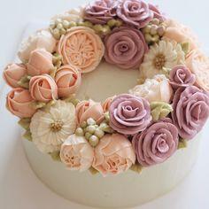 다시 일상으로 !! #플라워케이크 #마이디어 #마이디어케이크 #컵케익 #flowercake #flowercakeclass #플라워케이크클래스 #baking #cupcakes #flower #pink #korea #수원 #영통 #광교 #동탄 #베이킹클래스 #wilton #cake #cakedesigner #mydearcake #mydear #peach